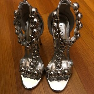 Shoes - Stunning Silver Heels